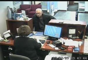 fot. FBI/ Zapis zkamery przemysłowej zarejestrował zdjęcie rabusia