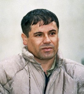 fot. Joaquin Guzman po aresztowaniu w 1993 roku. To ostatnia fotografia, jaką udao się zrobić gangsterowi