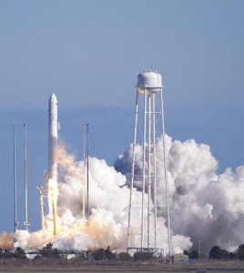 fot.NASA-Bill Ingalls/ Rakieta nośna Antares odbyła udany lot na orbitę