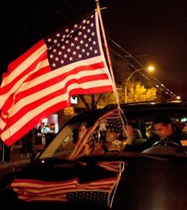 Radość na ulicach Bostonu po schwytaniu podejrzanego o dokonanie zamachu. Fot.: PAP/EPA