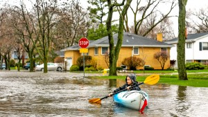 Powódź w Elmhurst fot. Paweł Nocoń
