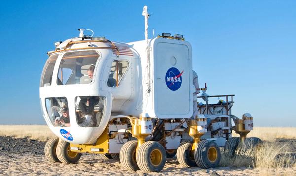 Testowanie nowego pojazdu kosmicznego Space Exploration Vehicle w 2008 r. fot. Regan Geeseman/NASA