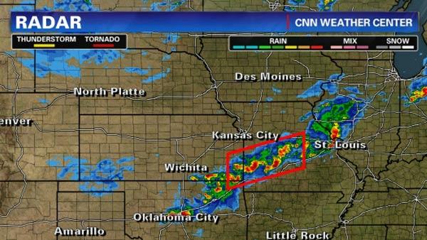 Co najmniej cztery tornada przeszły przez stany Oklahoma i Missouri. fot. CNN