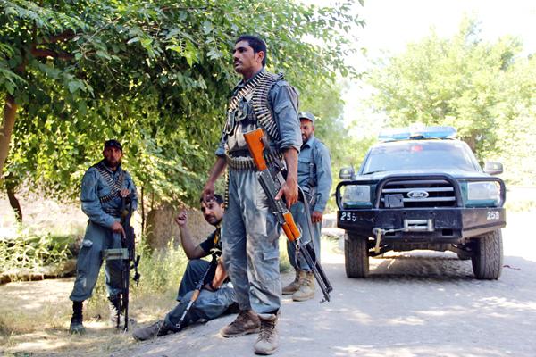 Afgańskie siły bezpieczeństwa po operacji przeciwko podejrzanych bojowników Talibanu w dzielnicy Surkh Rod prowincji Nangarhar, Afganistan fot. Abdul Mueed/PAP/EPA
