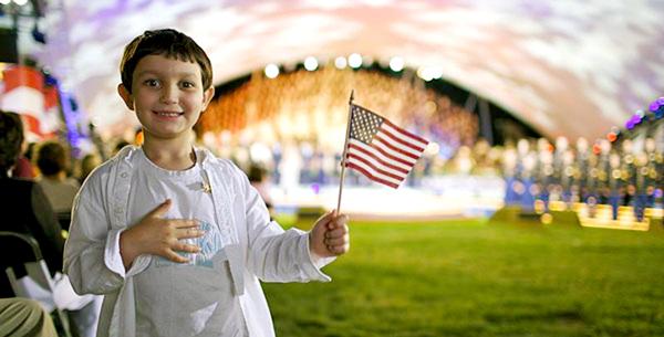 14 czerwca Amerykanie obchodzą tradycyjnie Dzień Flagi fot. US Army