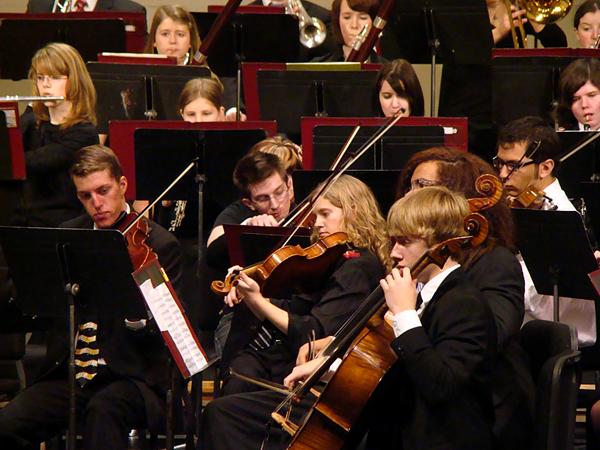 Młodzi muzycy w Youth Orchestra fot. archiwum PaSO