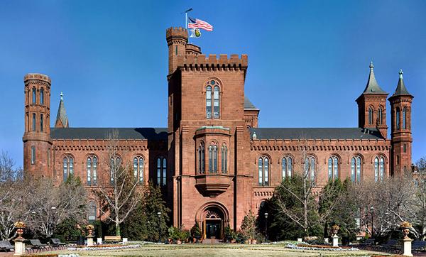 Budynek Smithsonian Institution w Waszyngtonie fot. Noclip/Wikimedia