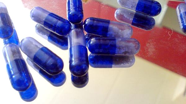 Kapsułki MDMA (Molly) fot. My friend/Wikimedia