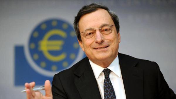 Szef Europejskiego Banku Centralnego Mario Draghi fot. Arne Dedert/PAP/EPA