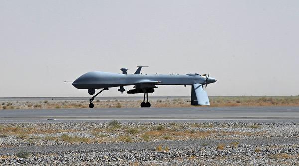 Amnesty International krytykuje USA za ataki dronów w Pakistanie fot. EPA/PAP Massoud Hossaini