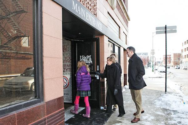 Goście Muzeum mogą je odwiedzać korzystając z nowego wejścia do budynku