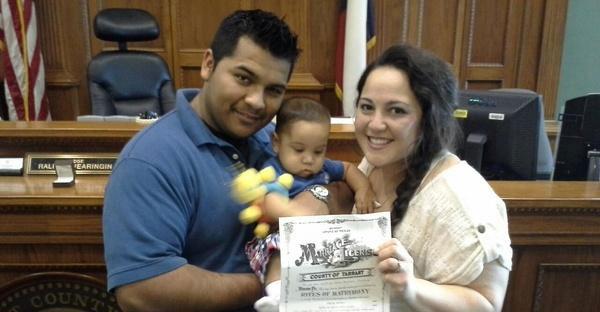 Eric i Marlise Munoz z dzieckiem fot. archiwum rodzinne