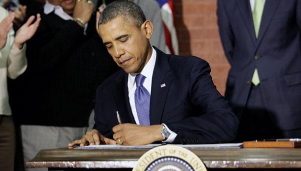 Prezydent podpisal udżet na rok 2014 fot. PAP/EPA