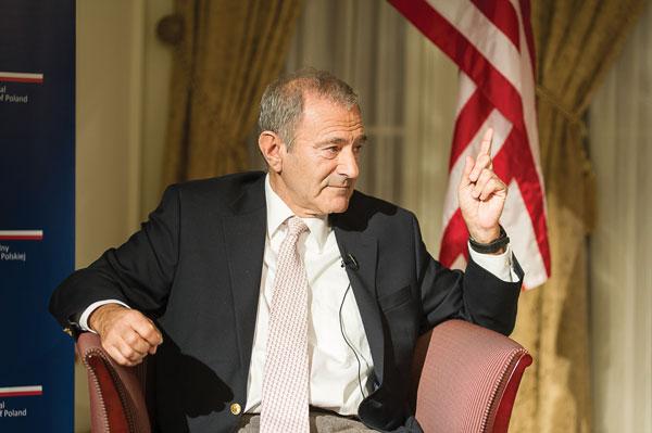Andrzej Lubowski podczas spotkania w konsulacie fot.Dariusz Lachowski