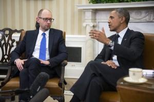 Premier Ukrainy Arsenij Jaceniuk (z lewej) i prezydent USA Barack Obama fot.