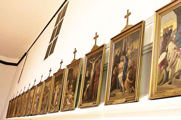 Stacje drogi krzyżowej z pierwszego polskiego kościoła w Panna Maria w Teksasie fot. Julita Siegel
