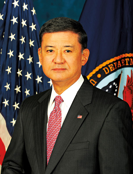 Eric Shinseki fot.US Department of Veterans Affairs/Wikipedia