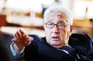 Były sekretarz stanu USA Henry Kissinger fot.Gero Breloer/Pool/PAP/EPA