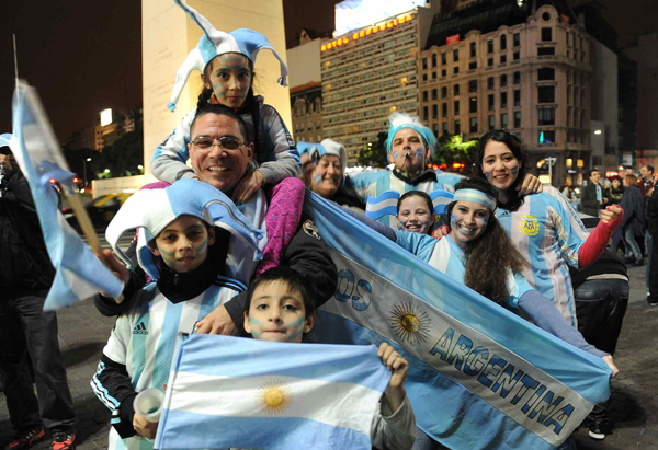 Argentyńscy kibice fot.EPA/Osvaldo Fanton