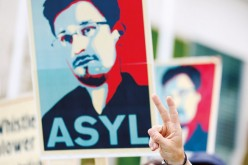 Sympatycy Snowdena organizują się, żeby mu pomagać