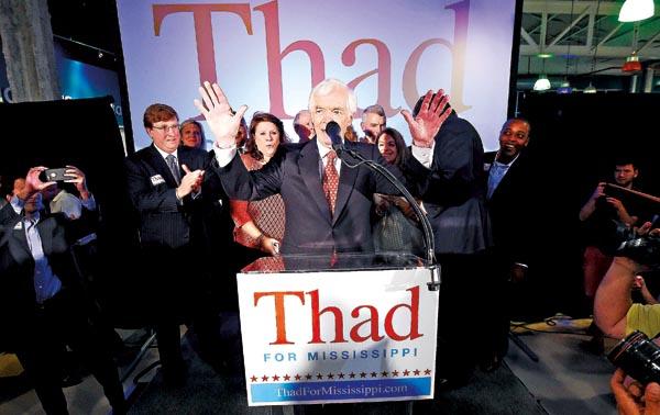 Thad Cochran (w środku) fot.Chris Todd/EPA