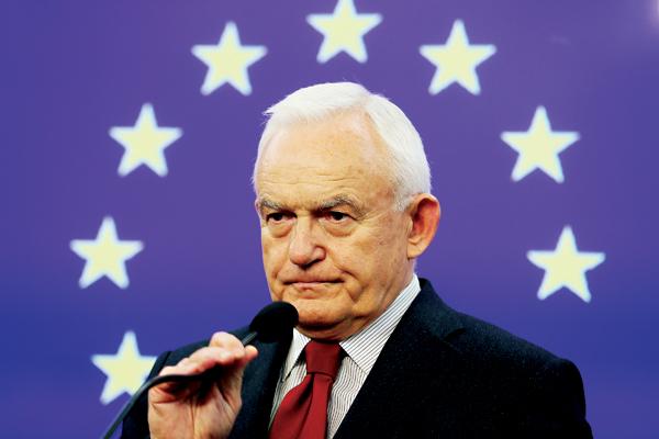 Szef SLD Leszek Miller fot.Leszek Szymański/EPA