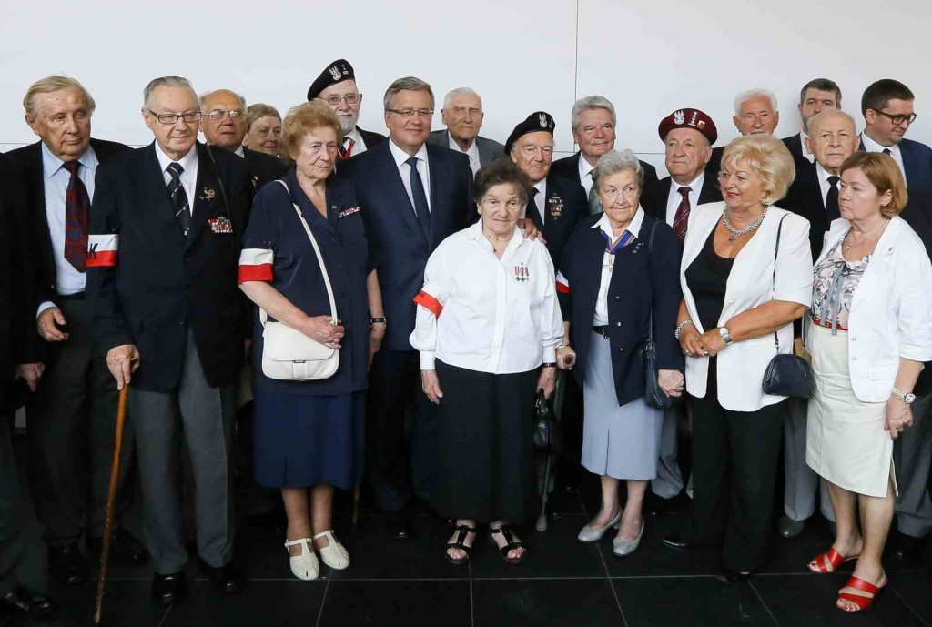 President of Poland Komorowski and President of Germany Joachim Gauck with Polish veterans at the opening of the Warsaw Rising exhibition in Berlin, 29.07.2014 Photo: PAP/Paweł Supernak