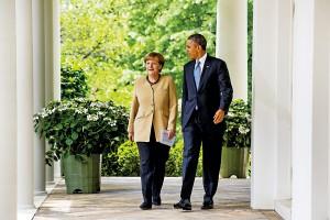 Kanclerz Niemiec Angela Merkel (z lewej) i Barack Obama fot.Jim Lo Scalzo/EPA