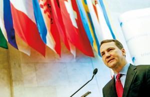Radosław Sikorski fot.Sergey Dolzhenko/EPA