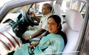 Sushma Swaraj (na pierwszym planie) fot.Harish Tyagi/EPA