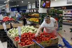 Russians flock to Poland for groceries