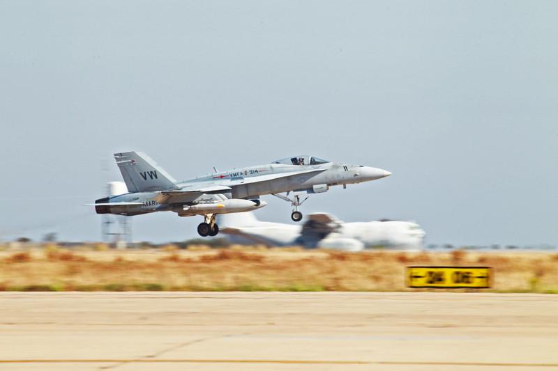 Naloty USA zniszczyły broń i sprzęt islamistów w Iraku  fot. EPA/CPL. JAMEAN BERRY / HANDOUT