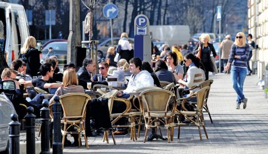 TNS: większość Polaków uważa, że sprawy w Polsce idą w złym kierunku