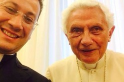 "Watykan. Pierwsze ""selfie"" Benedykta XVI"