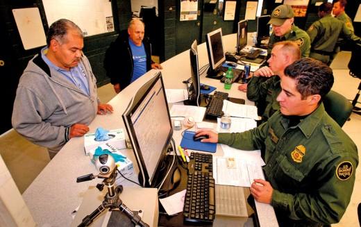 Rodziny imigranckie wpuszczane do USA umykają federalnym agentom