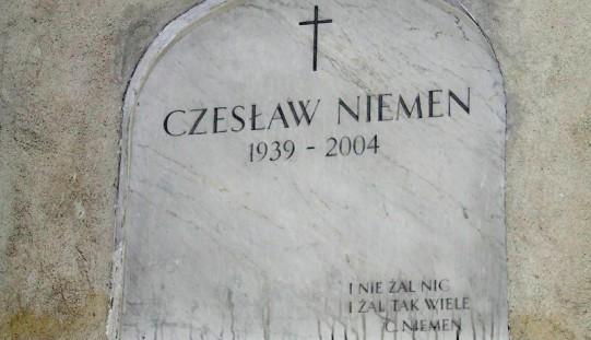 Stowarzyszenie muzyczne ma zapłacić 10 tys. zł wdowie po Niemenie