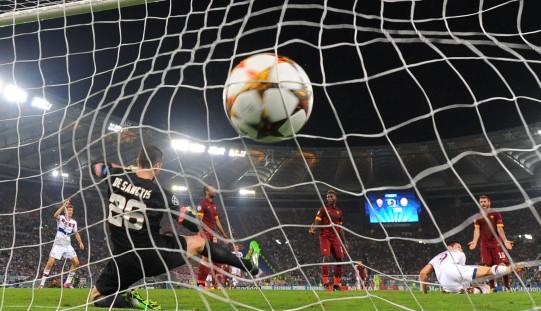 Piłkarska LM – grad bramek, gol i asysta Lewandowskiego
