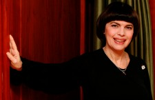 Mireille Mathieu to tour in Germany