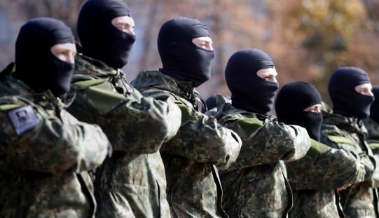 """Amerykańscy senatorowie na łamach """"WP"""": Ukrainie trzeba dostarczyć broń"""