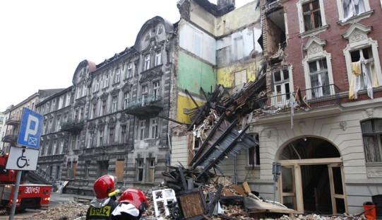 WUG: ponad godzinę przed wybuchem był wstrząs o sile 2 stopni w skali Richtera (ZOBACZ ZDJĘCIA Z KATOWIC)