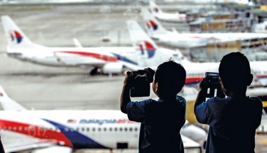 Malezja. Dzieci pasażera zaginionego boeinga pozwały rząd i przewoźnika