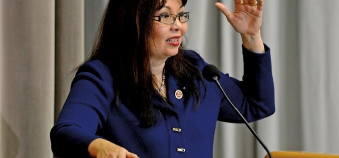 Kongresmenka Tammy Duckworth urodziła córkę