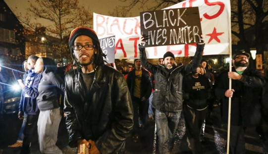 Niebawem decyzja ws. zarzutów dla białego policjanta z Ferguson