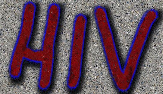 Eksperci: wiele przypadków HIV w Polsce wykrywanych na późnym etapie