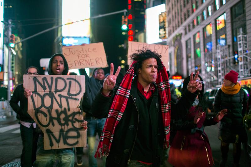 Protest w Nowym Jorku na Times Square po decyzji ławy przysięgłych fot.John Taggart/EPA