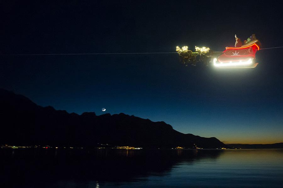 Flying Santa in Montreux