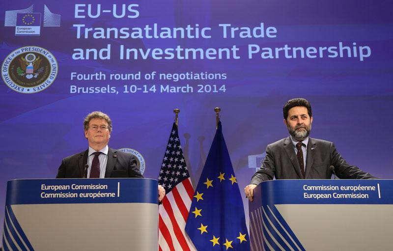 4 runda rozmów w ramachTransatlantyckiego Partnerstwa Handlowo-Inwestycyjnego między UE i USA fot. EPA/JULIEN WARNAND