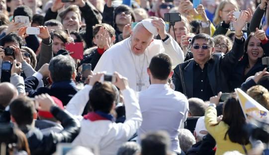 Papież dziękuje Włochom za przyjmowanie imigrantów, apeluje do Europy