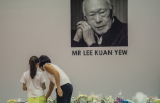 Singapore's founding Prime Minister Lee Kuan Yew dies at 91