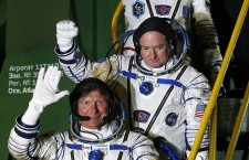 Expedition 43 crew prepares for take off